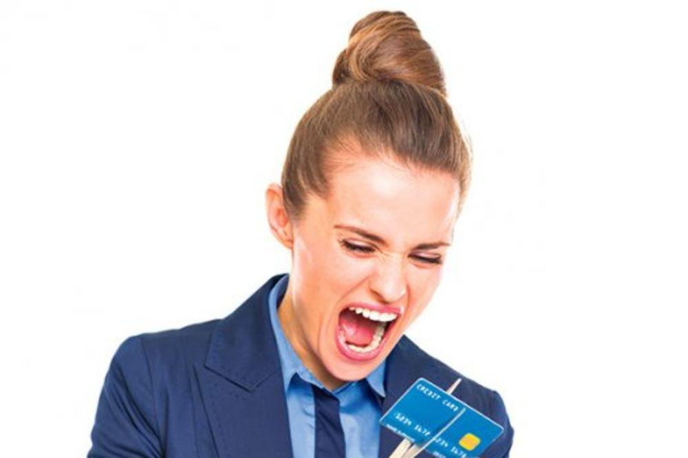 (VIDEO) GRAMZIVO: Banke nezakonito uzmu 60 odsto više na kreditima!