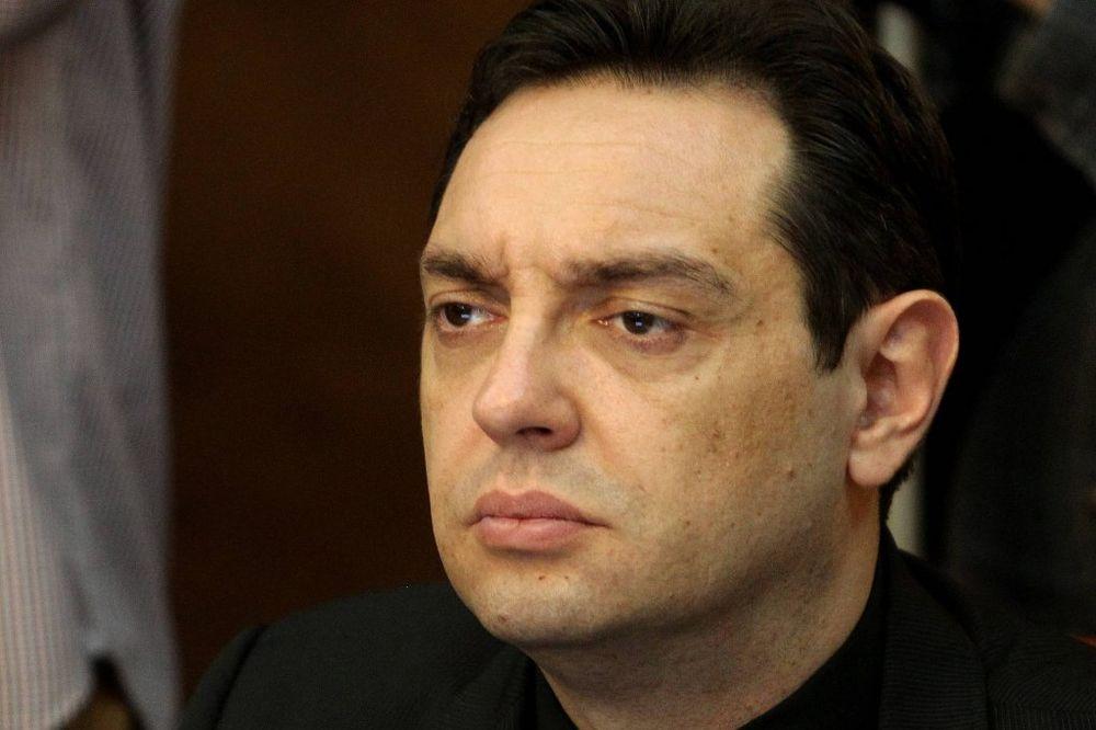VULIN: Vreme i mesto izdavanja poternice za Stojanovićem nisu slučajni