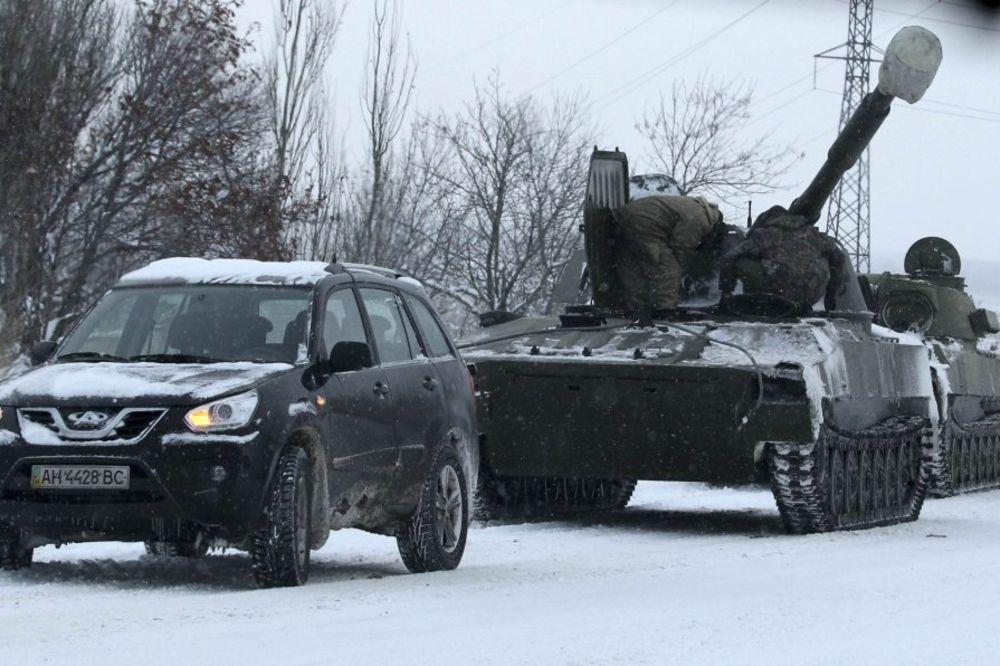 PRORUSI NAPREDUJU: Ukrajinske snage u strahu od opkoljavanja napuštaju položaje!