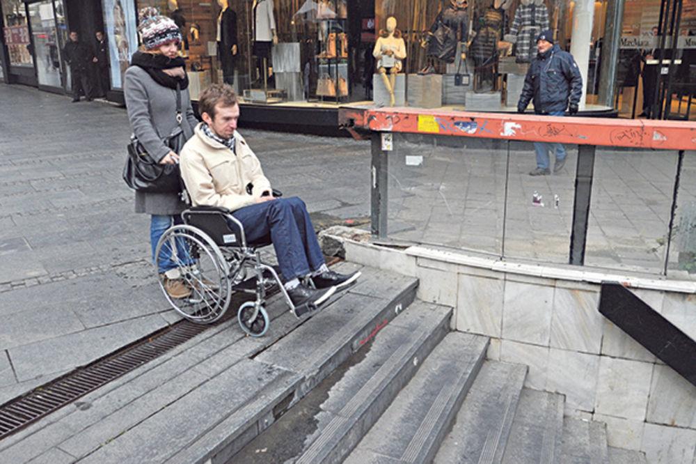 VIDEO BRUKA: Srpska prestonica pakao za invalide!