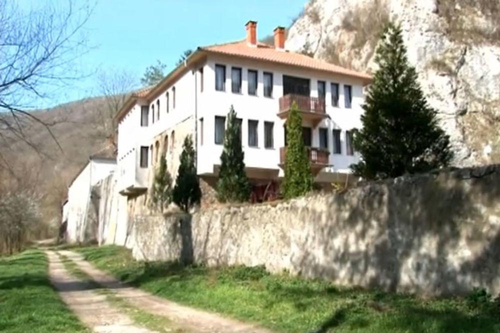 FOTO I VIDEO SVETA KOTLINA SRBIJE: U manastiru Gornjak molitvom do začeća!