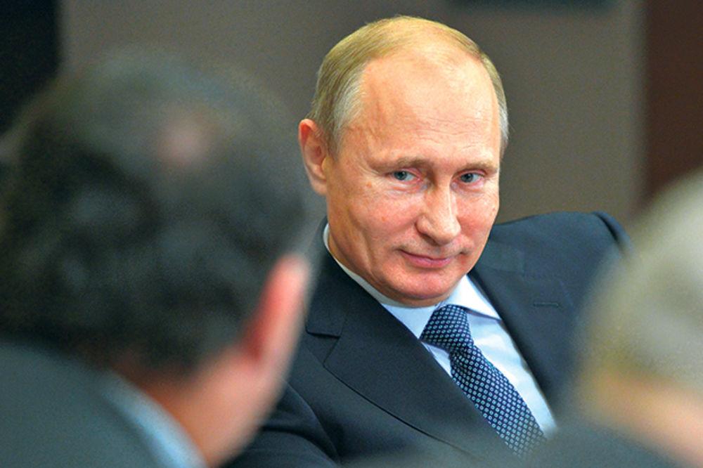 SKANDAL U MOSKVI: Putin se podsmevao novinaru misleći da je pijan! Istina je bila mnogo drugačija