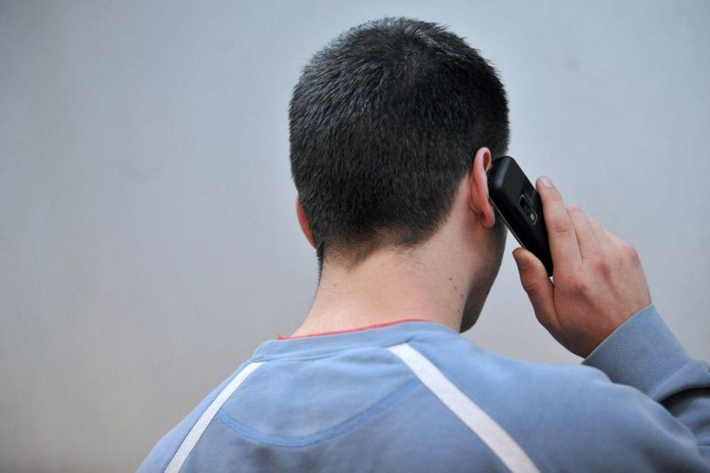 SULUDI POZIVI SMEDEREVSKOJ POLICIJI: Otac prijavio sina, ne da mu da se kupa