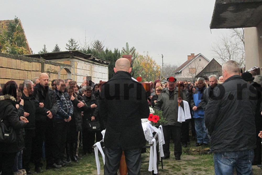 (FOTO) TUGA: Sahranjen Nemanja Glamočak (22), jedan od nastradalih kod Begeča