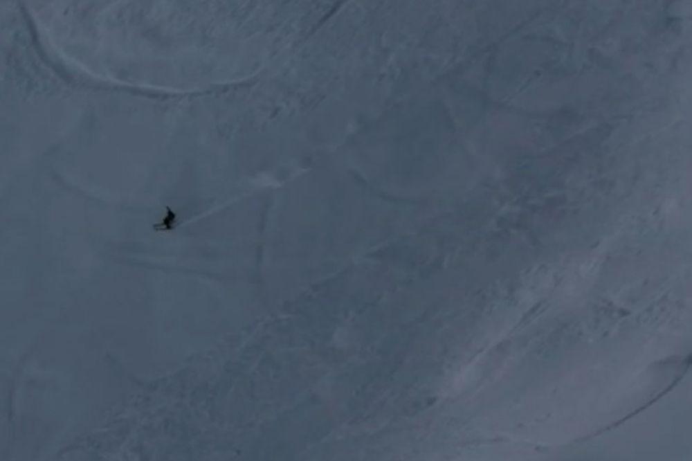 (VIDEO) LEDI KRV U ŽILAMA: Pogledajte neverovatran spust niz liticu