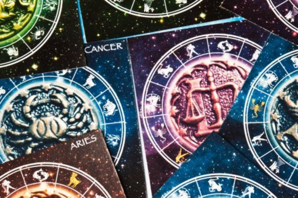 DA LI JE OVO ODGOVOR: Zašto žene veruju u horoskop više nego muškarci?