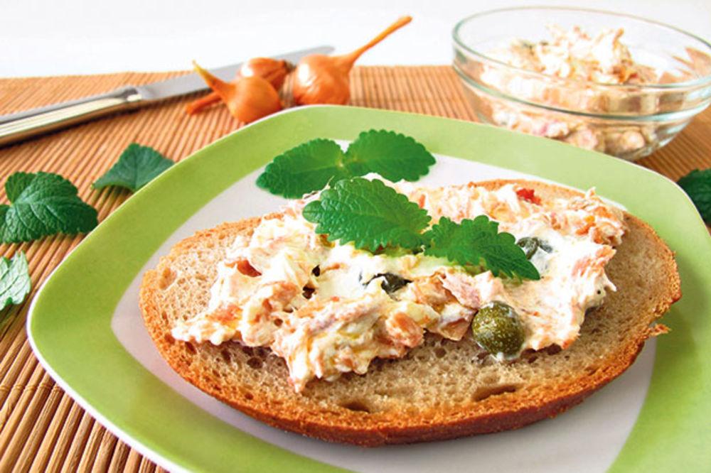 Zdrav namaz od tunjevine i sira
