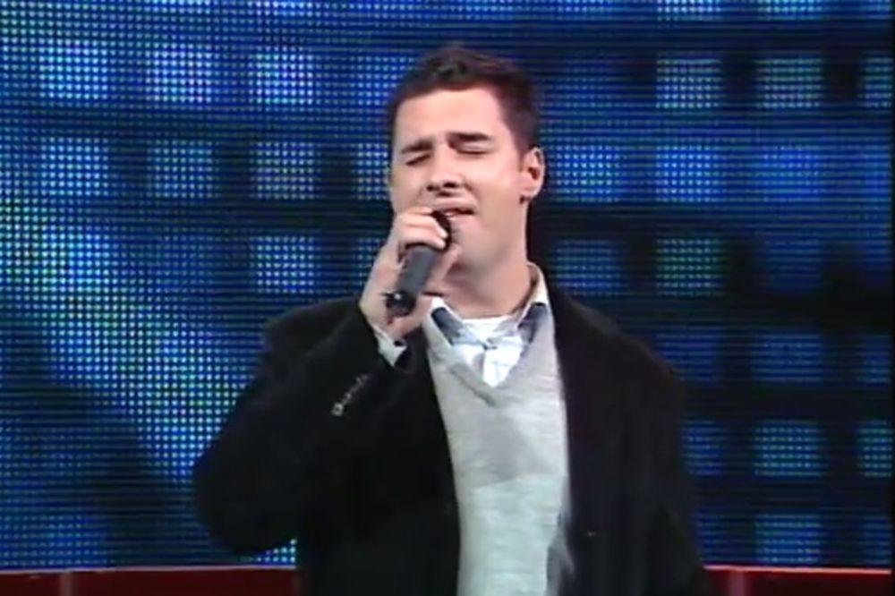 DRASTIČNA PROMENA: Prepoznajete li ovog pevača?