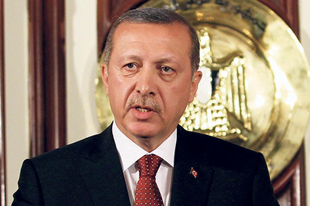 ERDOGAN ZAVODI DIKTATURU: Turski lider hapsi novinare!