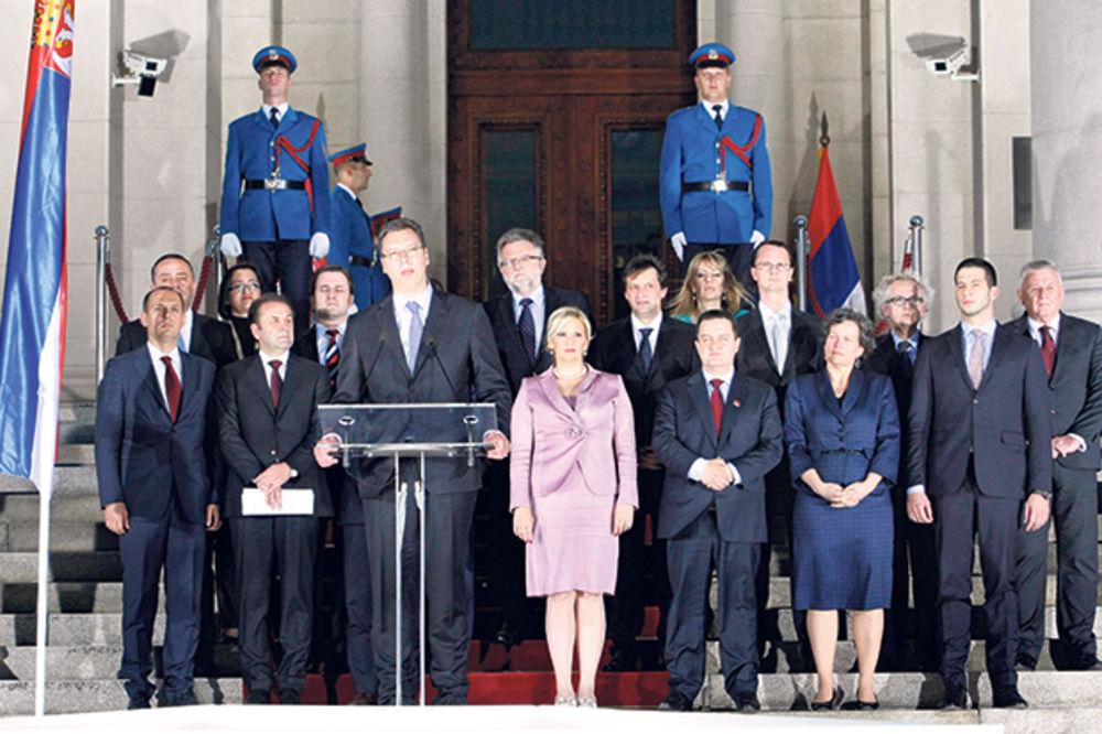 VUČIĆ TRAŽI KRTICU U VLADI: Ministri odavali službene tajne?!