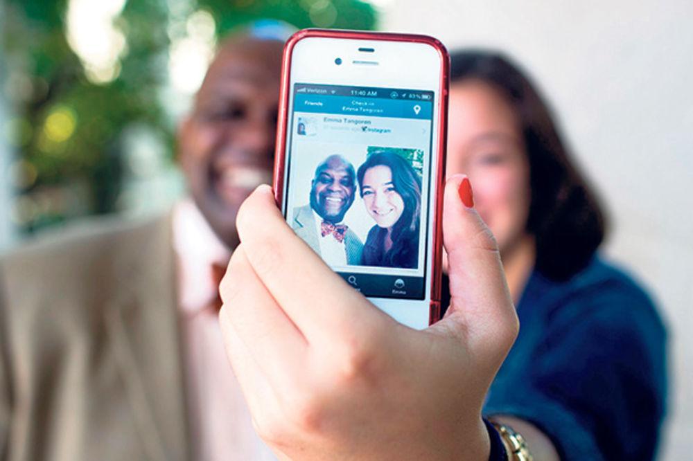 Instagram na 16 miliona videa, selfija i klikova ispred Tvitera