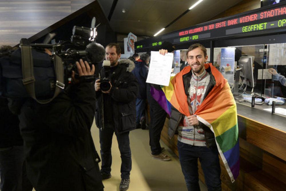 U RED STAO PRE ZORE: Končitin fan prvi kupio kartu za Evroviziju!
