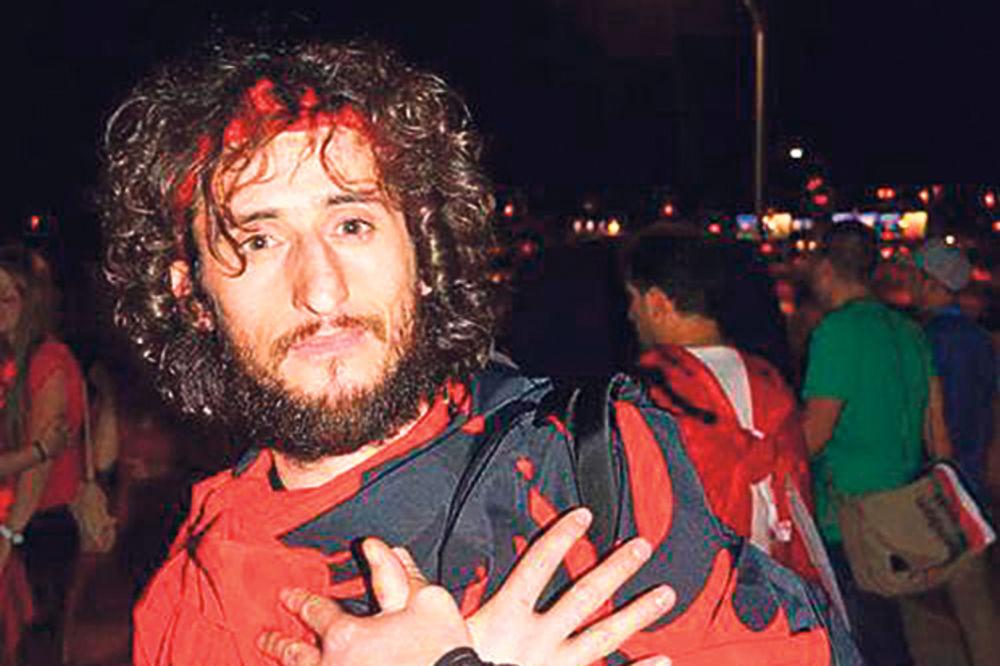 ALBANCI NE PRESTAJU S PROVOKACIJAMA: Slikali se s čovekom koji je upravljao dronom u Beogradu!