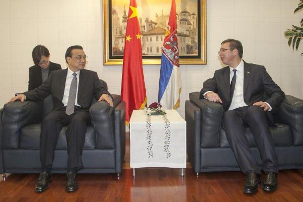 Vučić na blogu Fajnenšel tajmsa: Most prijateljstva Srbija-Kina!