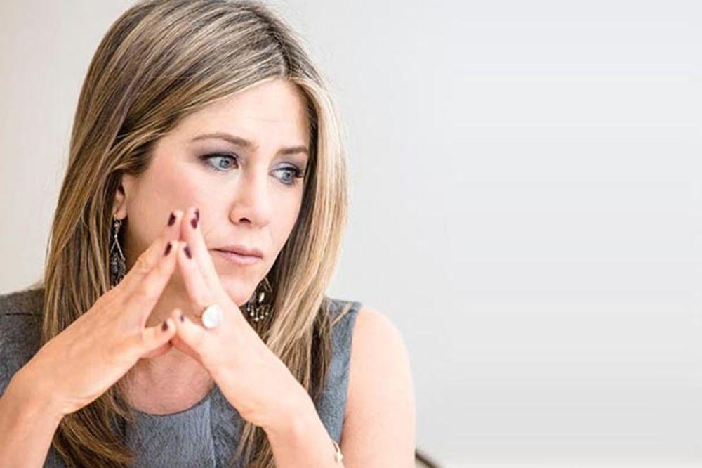 POSLE 10 GODINA PROGOVORILA: Dženifer Aniston iskreno o razvodu sa Bred Pitom