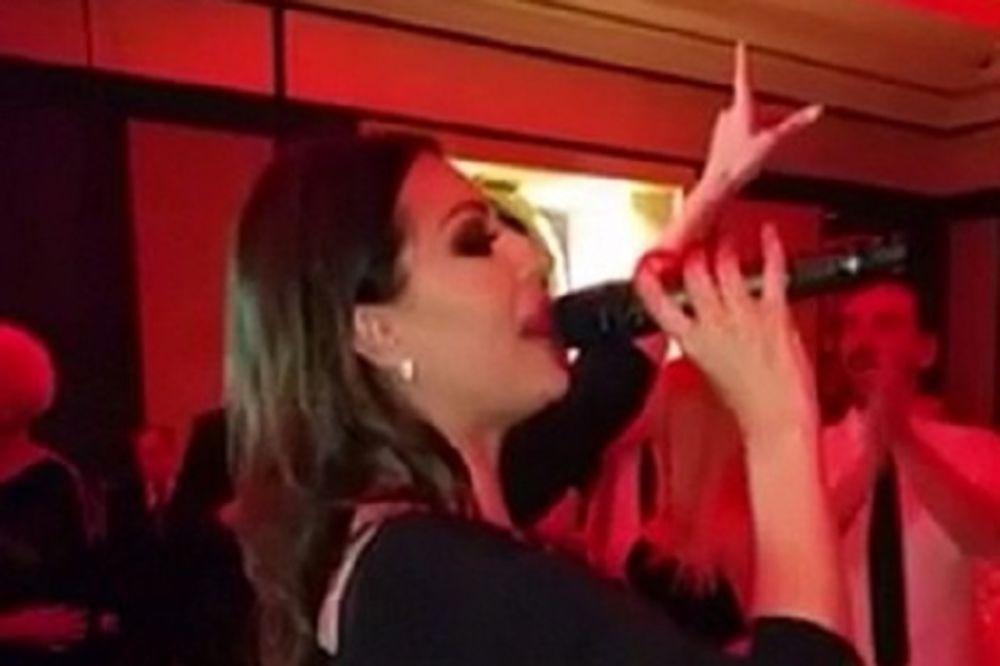 (VIDEO) Pogledajte kako je Ceca pevala na Veljkovom 18. rođendanu!