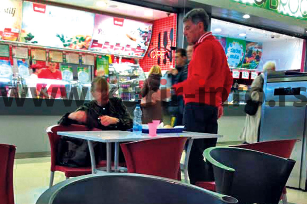 Armenulići klopali zdravu hranu u ekspres restoranu