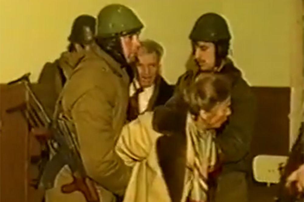 (VIDEO) ISPOVEST VOJNIKA KOJI JE PUCAO: Streljao sam Čaušeskua i još me to proganja!