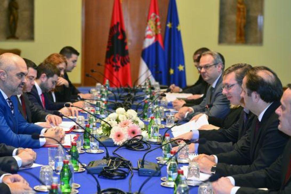 SAMIT U BEOGRADU: Vučić razgovarao sa Edijem Ramom