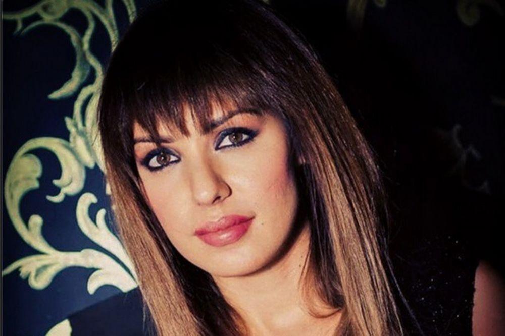 (FOTO) DA LI BISTE JE PREPOZNALI: Ovako izgleda Tanja Savić bez šminke!