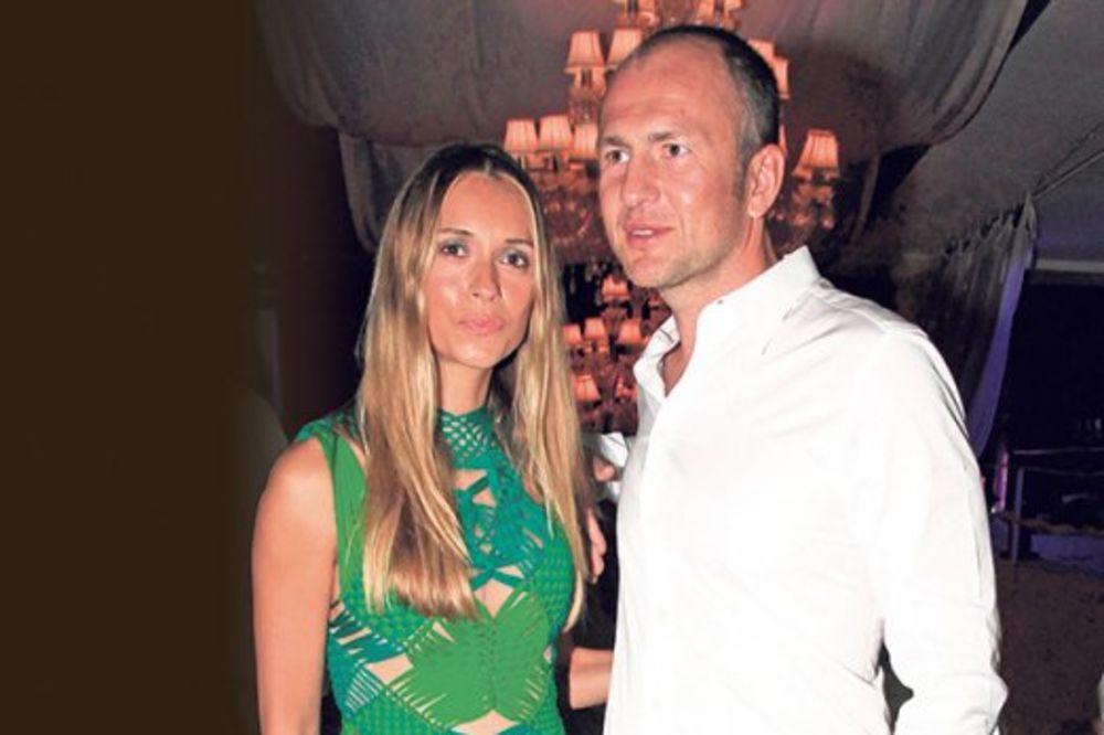 10 GODINA BRAKA: Zavirite na magičnu proslavu godišnjice Sandre i Andreja Meljničenko!