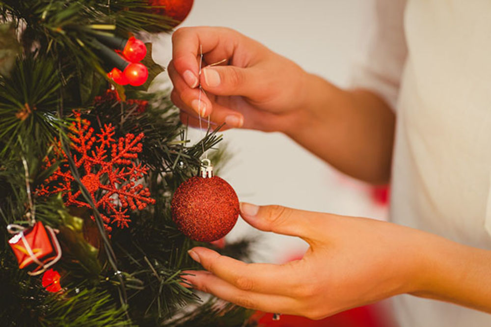 FENG ŠUI PRAVILA: Kako ukrasiti i gde staviti novogodišnju jelku