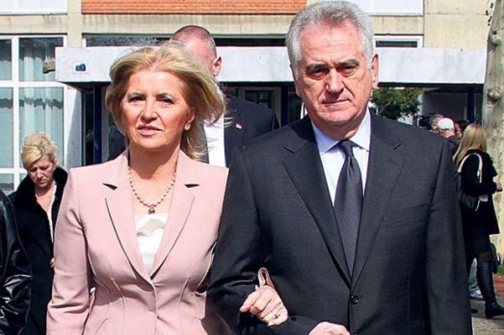 KRIJU DONATORE: Dragica Nikolić dobila milione evra iz inostranstva!