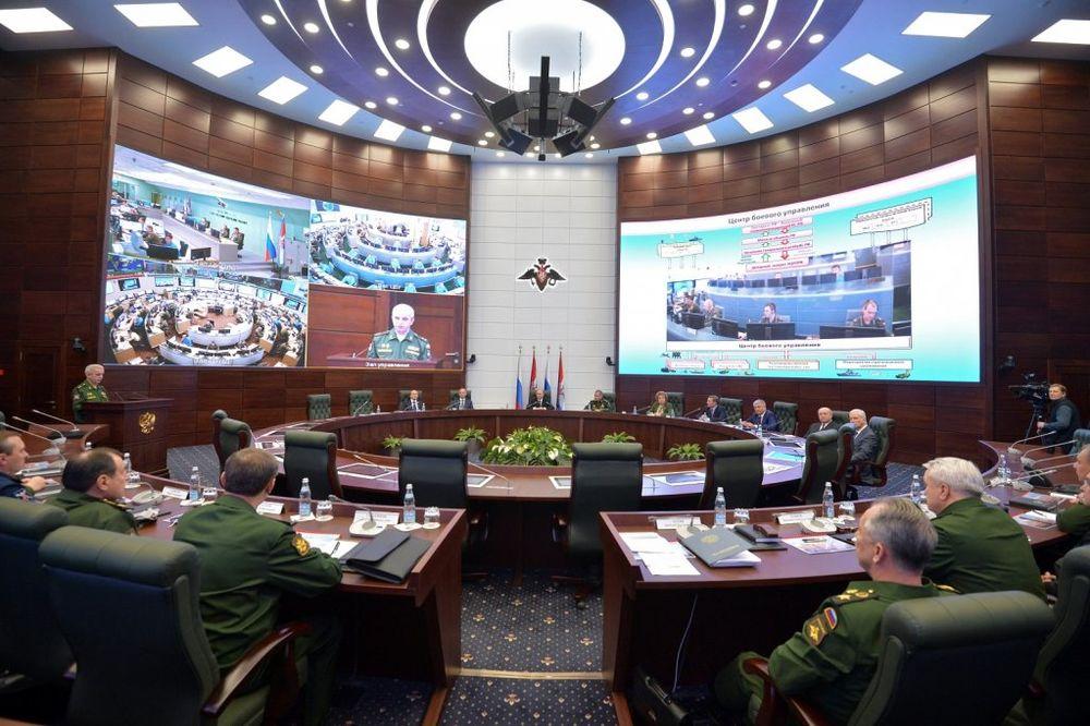 TAJNA TELEFONSKA LINIJA IZMEĐU NATO I MOSKVE: Alijansa uvodi crveni telefon sa ruskim vojnim vrhom!