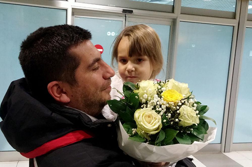 MALI ANĐEO POBEDIO BOLEST: Mila je bila hrabra. Plakala je tek kada je sve bilo gotovo!