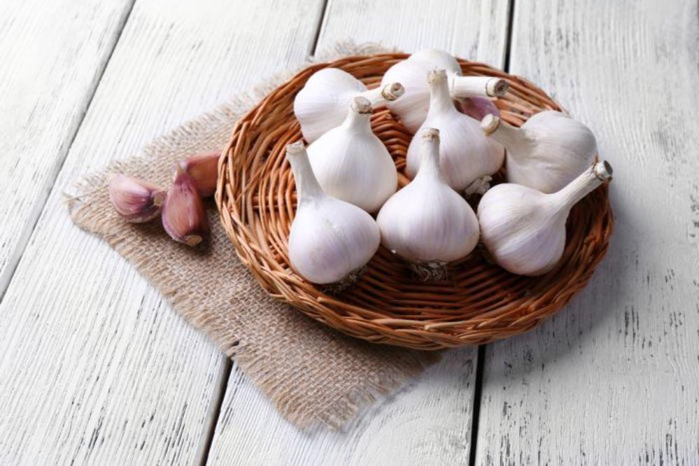 Napitak od belog luka uklanja masnoće i ubrzava metabolizam