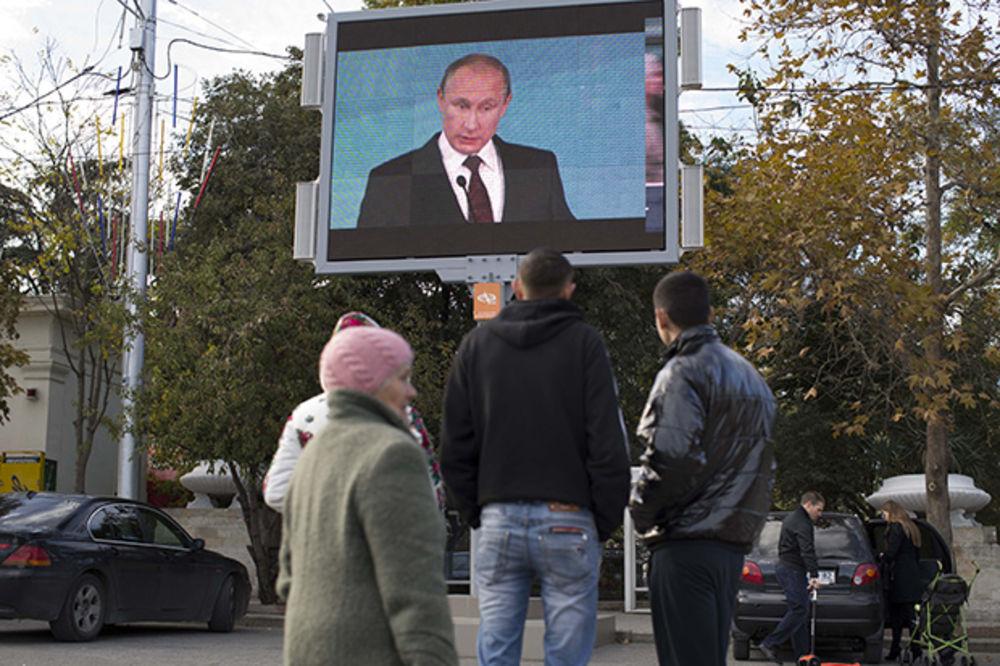 PUTIN: Niko ne može da zastraši i izoluje Rusiju