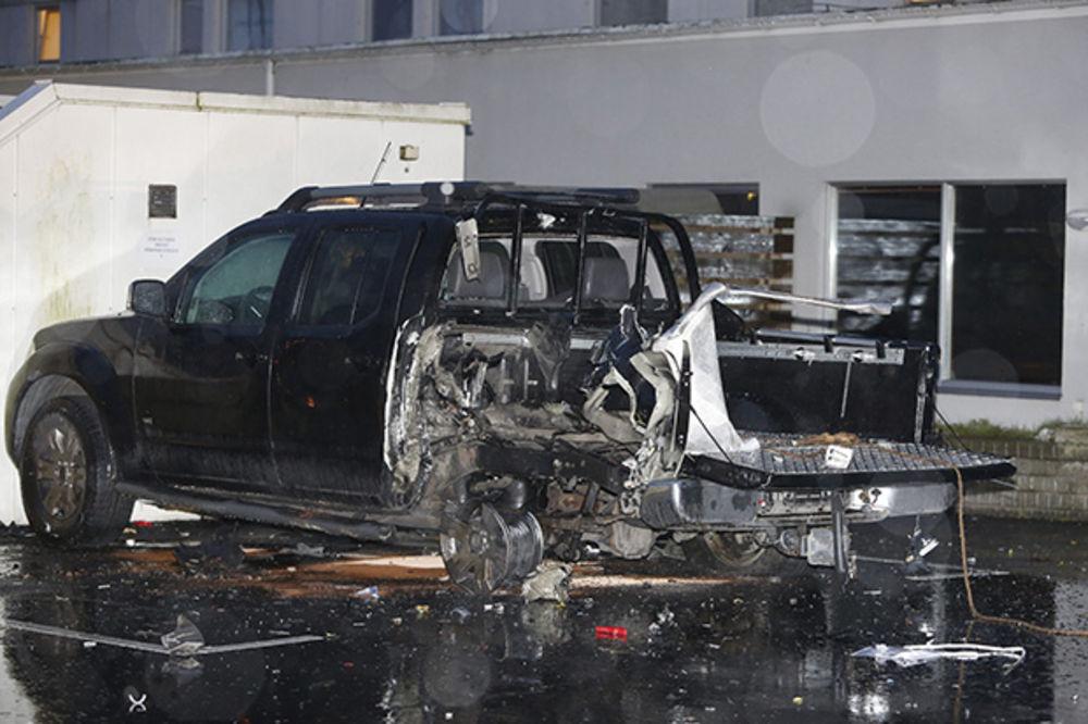 ŠVEDSKA NA NOGAMA: Eksplodirala dva automobila-bombe u Malmeu!