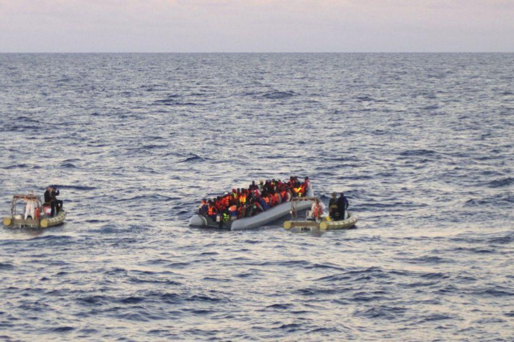 BRZA INTERVENCIJA: 800 imigranata spaseno kraj italijanske obale
