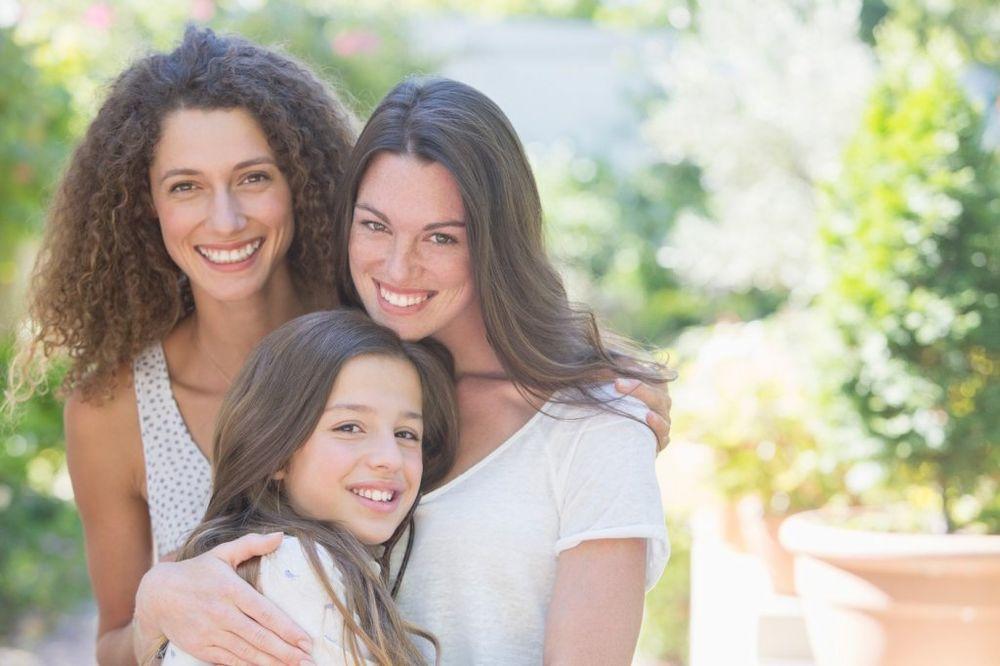 NJENO VELIČANSTVO TETKA: Evo zašto su to najbolja bića u životu vaše dece!