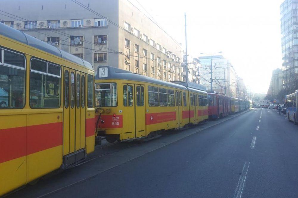 OTKLONJEN KVAR: Tramvaji ponovo saobraćaju Nemanjinom