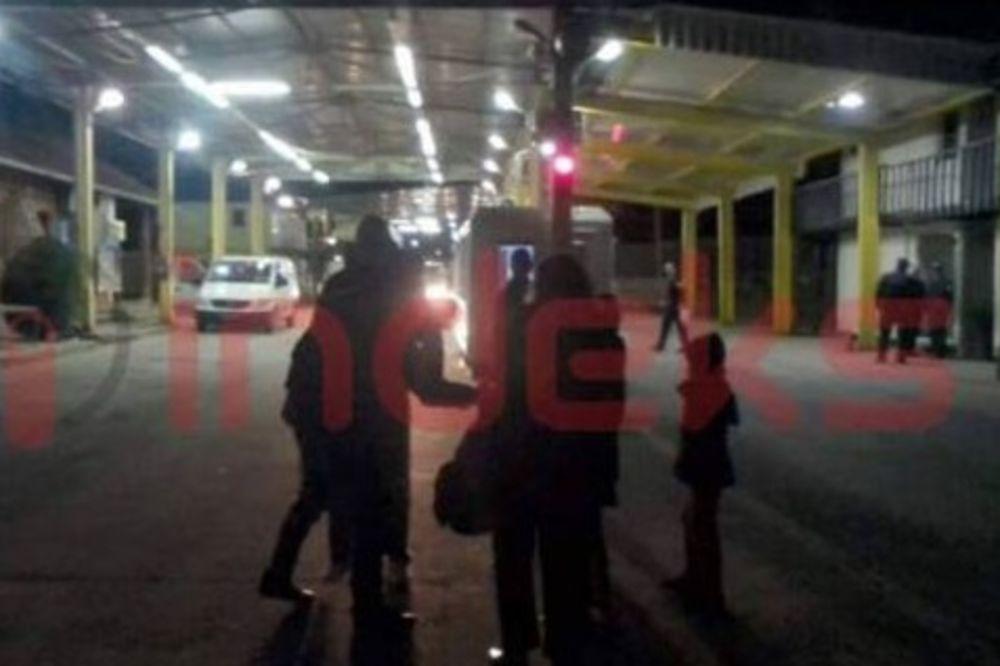 (VIDEO) NE DAJU IM BOLJI ŽIVOT: Šestočlana porodica sa Kosova vraćena sa granice!