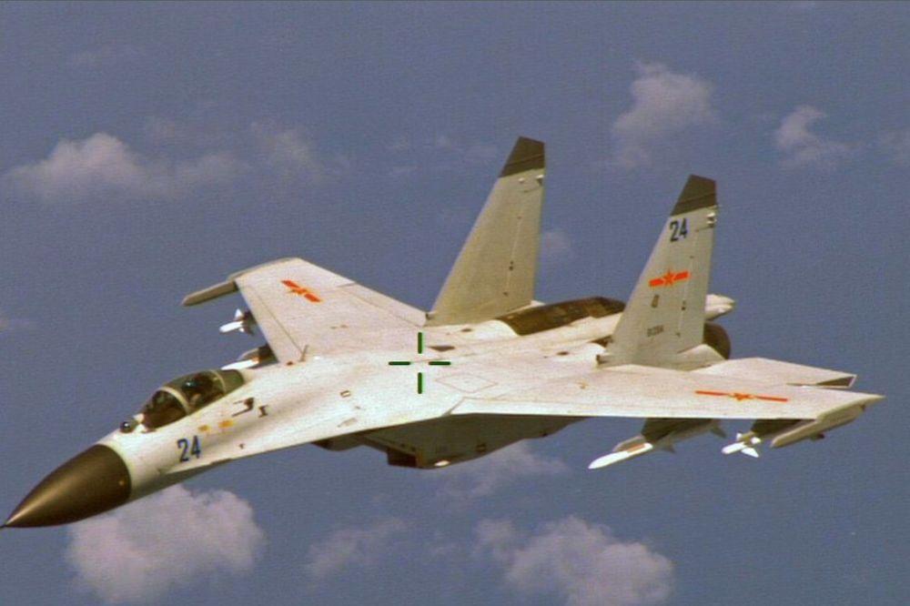 NESREĆA U KINI: Dvoje poginulo u padu vojnog aviona