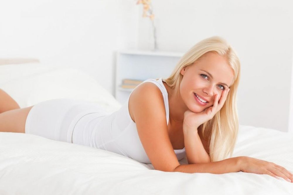 devojka, krevet, foto profimedia