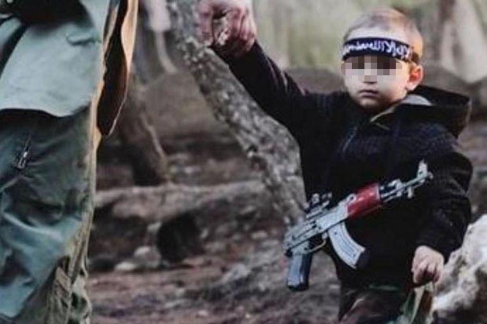 ŠOK ZA MAJKU: Prepoznala sina (3) kog je u ISIL u Siriju odveo otac Bošnjak