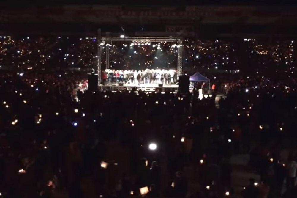 (VIDEO) DIVNA TRADICIJA: 30.000 navijača pevalo pesme na stadionu iako utakmice nije bilo
