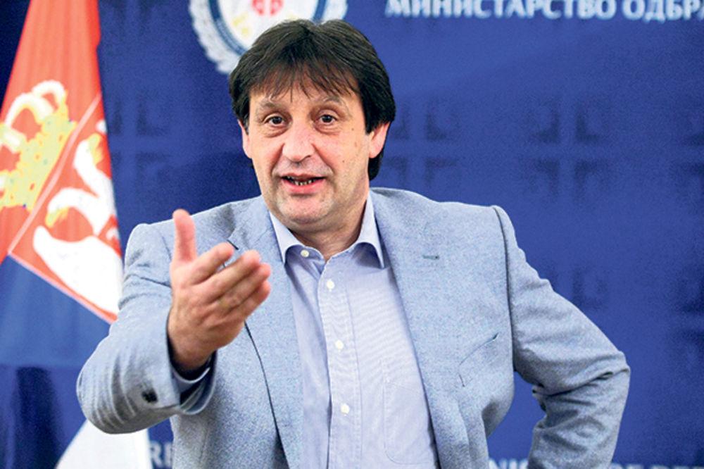Gašić je i dalje ministar odbrane, Foto: Beta