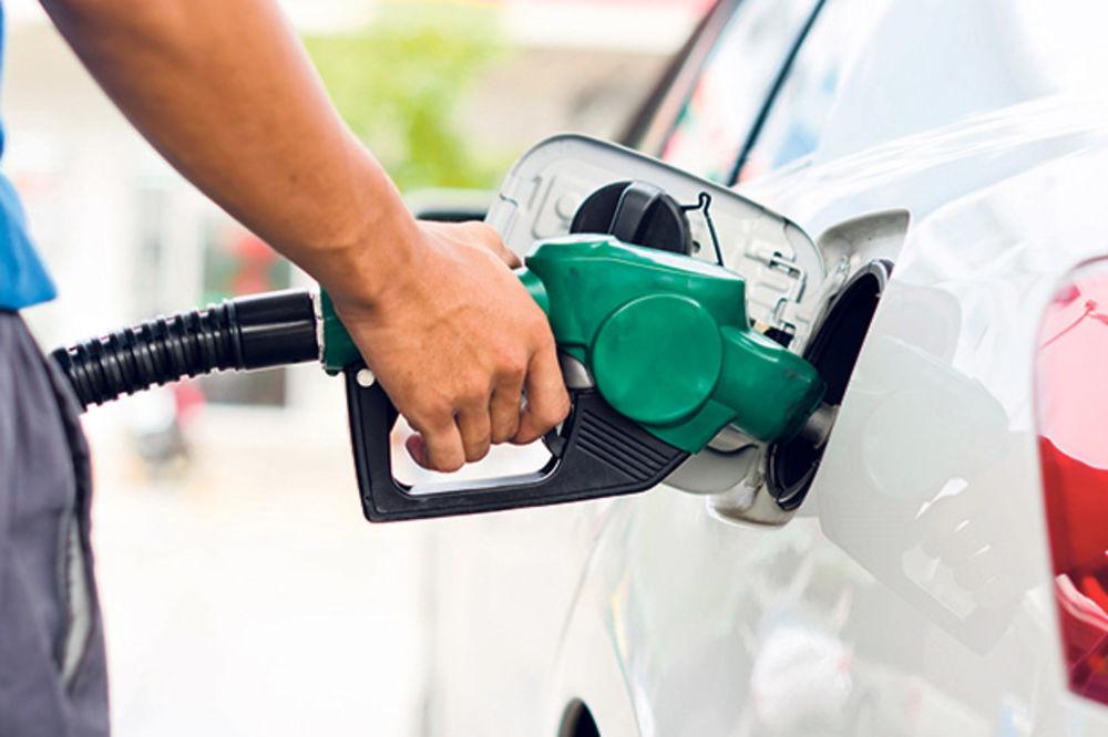 VARALI KUPCE: Na pumpama točili lož ulje u rezervoare umesto eurodizela!
