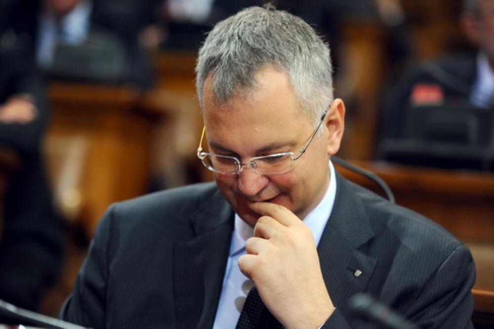 ŠUTANOVAC SE IZBLAMIRAO: Na Tviteru prozvao Vladu Srbije, pa obrukao sam sebe!
