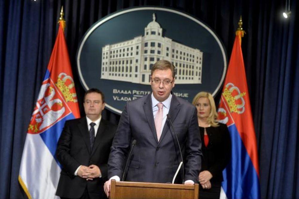 VUČIĆ SE OBRATIO GRAĐANIMA: Oteli smo Srbiju od tajkuna, godina pred nama je godina izazova