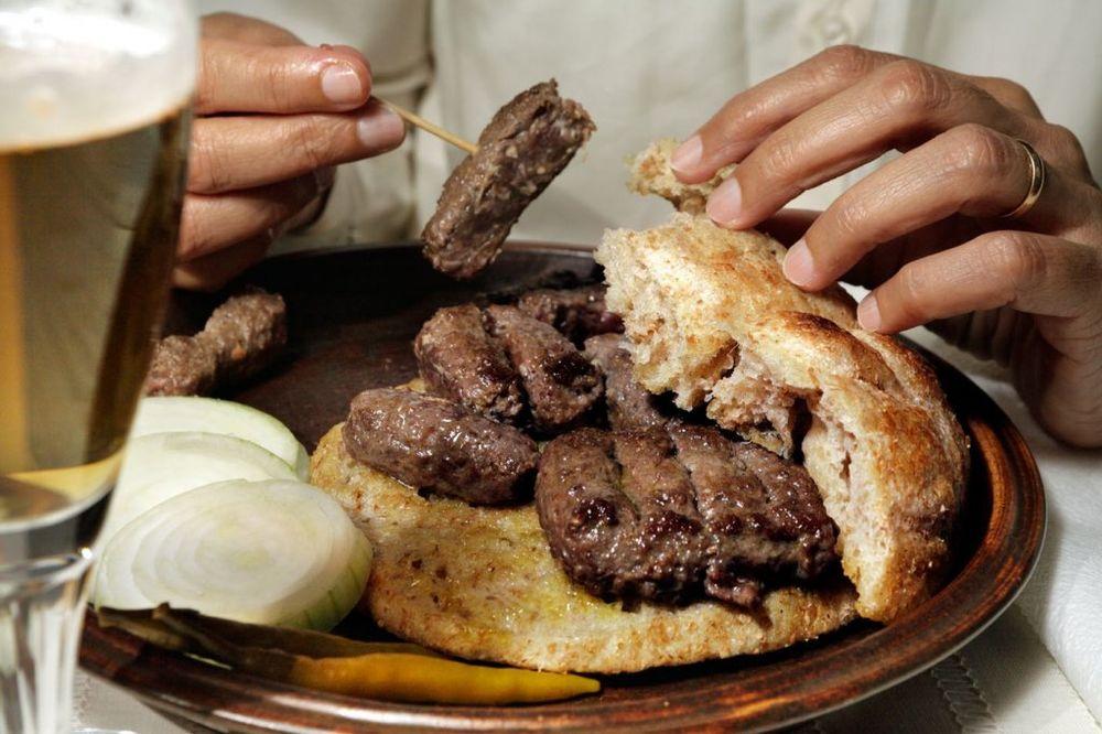 OPREZNO SA HRANOM U VALJEVU: Povučeno oko 800 kilograma mesnih i mlečnih proizvoda