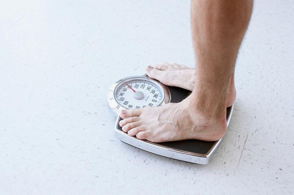BRZI TEST: Pogledajte da li vam je težina idealna u odnosu na godine!
