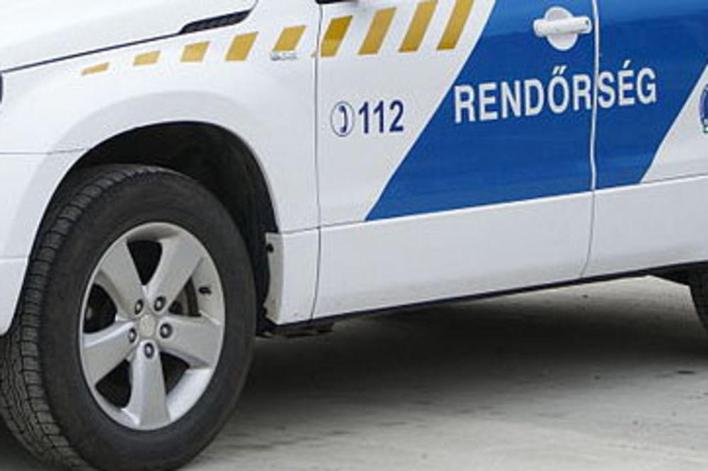 BEŽAO OD POLICIJE: Srbin vozilom punim ilegalaca zakucao se u kamion