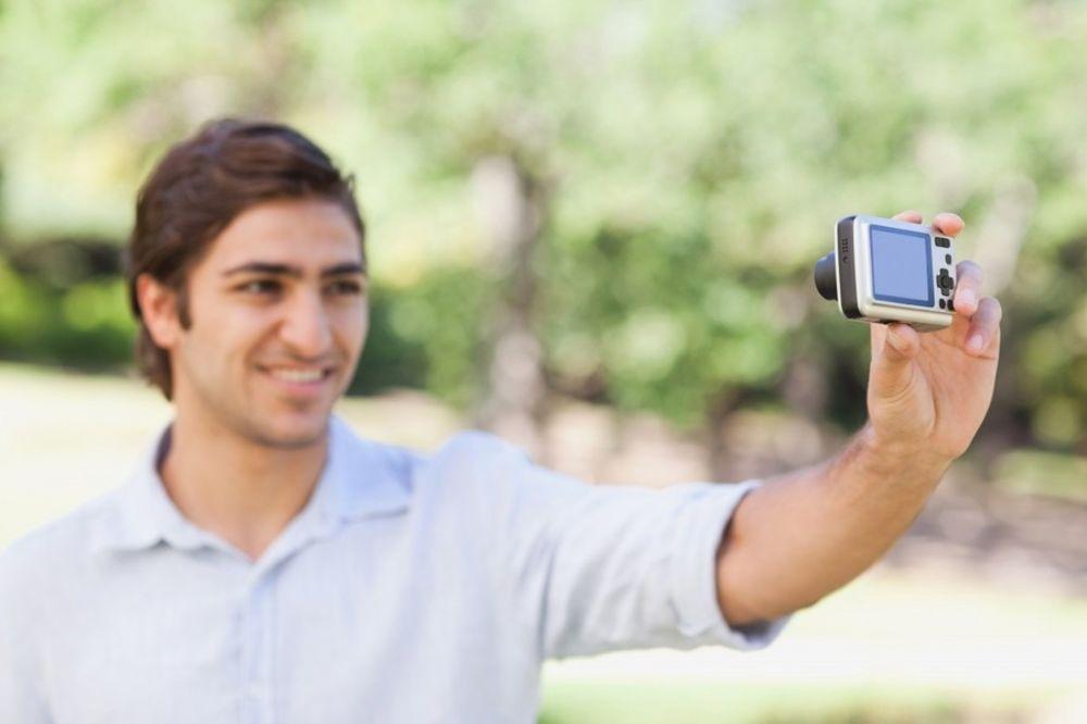 KAD KUŠAŠ SUDBINU I ONA ODGOVORI: Pravio selfi na pruzi i naravno da ga je ovo snašlo