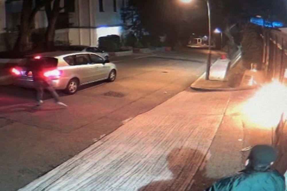 (VIDEO) NAPAD U HONGKONGU Dve bombe na medijskog magnata Džimija Laja