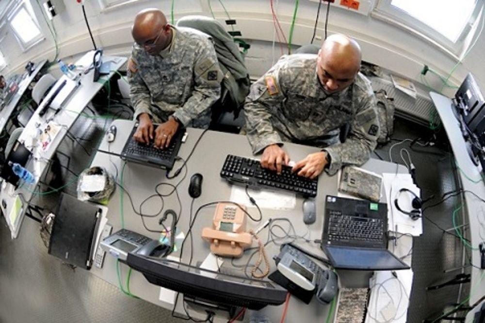 UPAD U CENTRALNU KOMANDU: Islamisti hakovali Jutjub i Tviter naloge vojske SAD!